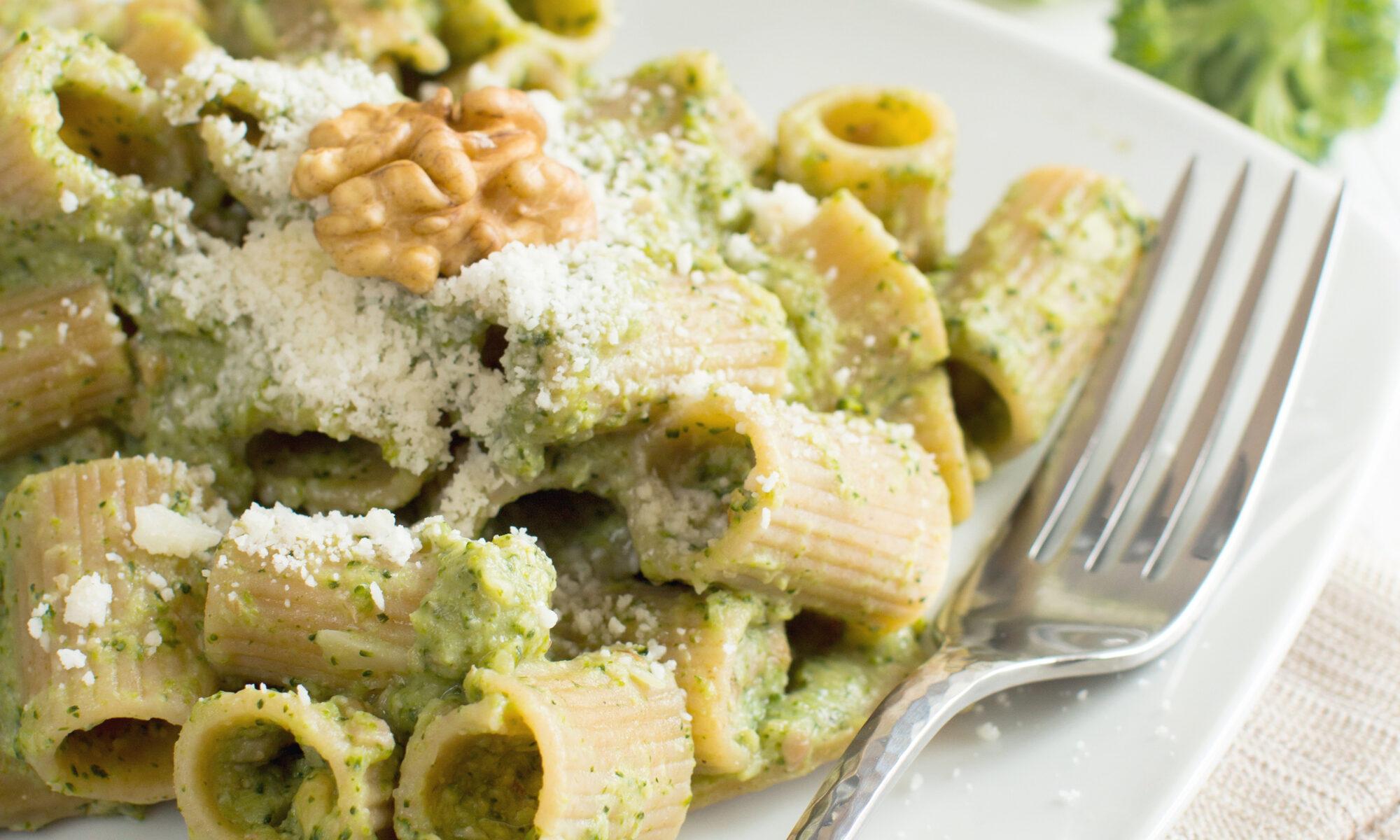 l'immagine fa vedere il risultato della ricetta pasta integrale (occhi di lupo biolu) e broccoletti